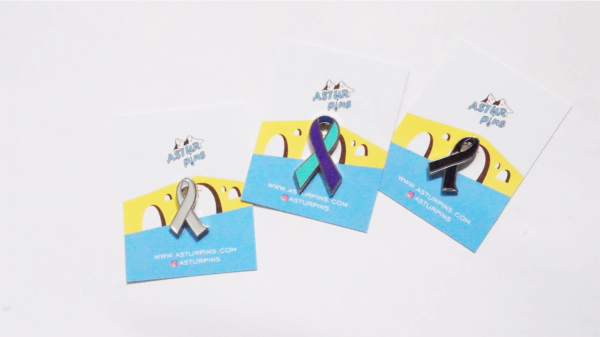 3 ribbon pins in astur pins cards